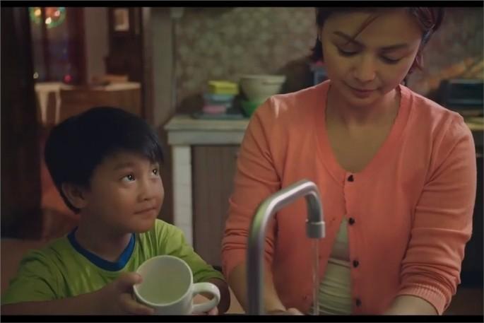 Hình ảnh trong đoạn quảng cáo của nhãn hàng Joy Philippines